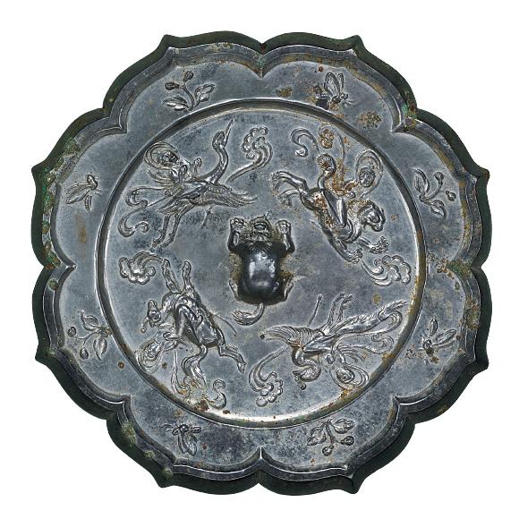 せんにんきちょうじゅうはちりょうきょう 中国 唐時代・8世紀 仙人あるいは道士が麒麟や鳳凰などに乗って空を駆けています。